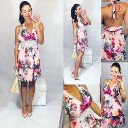 Růžové šaty s kěvty a krajkovou vsadkou