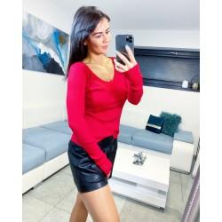 Rudý véčkový svetřík