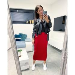 Rudá dlouhá sukně