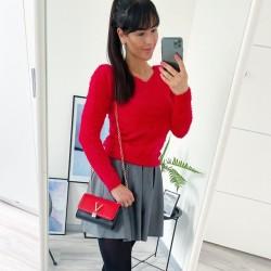 Rudý chlupatý svetřík