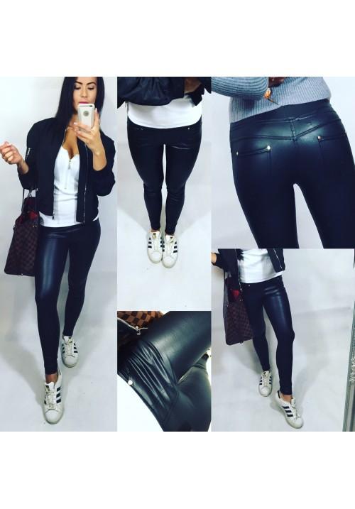 Černé lesklé vyteplené kalhoty