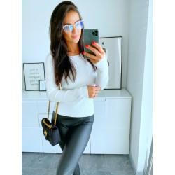 Bílý svetr Selena