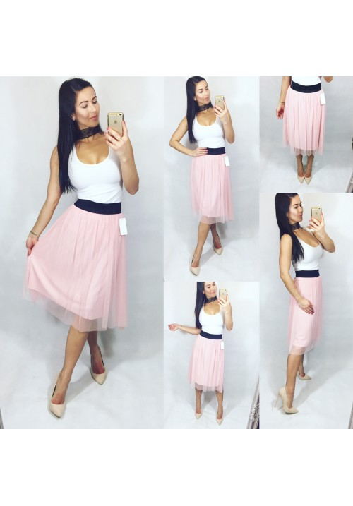 Pudrově růžová tylová sukně