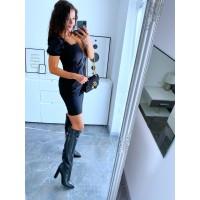 Černé šaty Sali