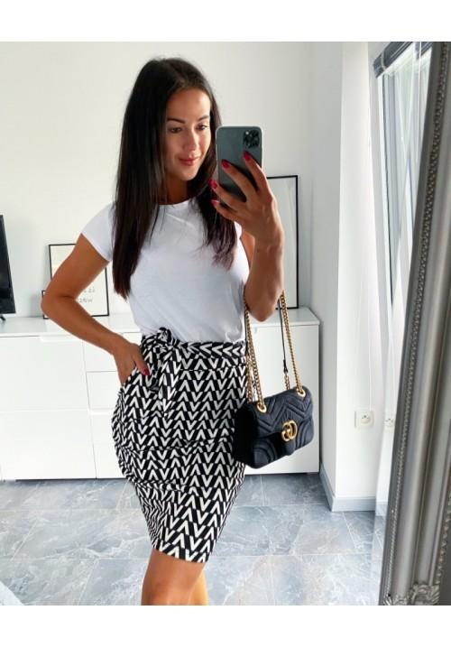 Pouzdrová sukně se vzorem barva bílá velikost S M L